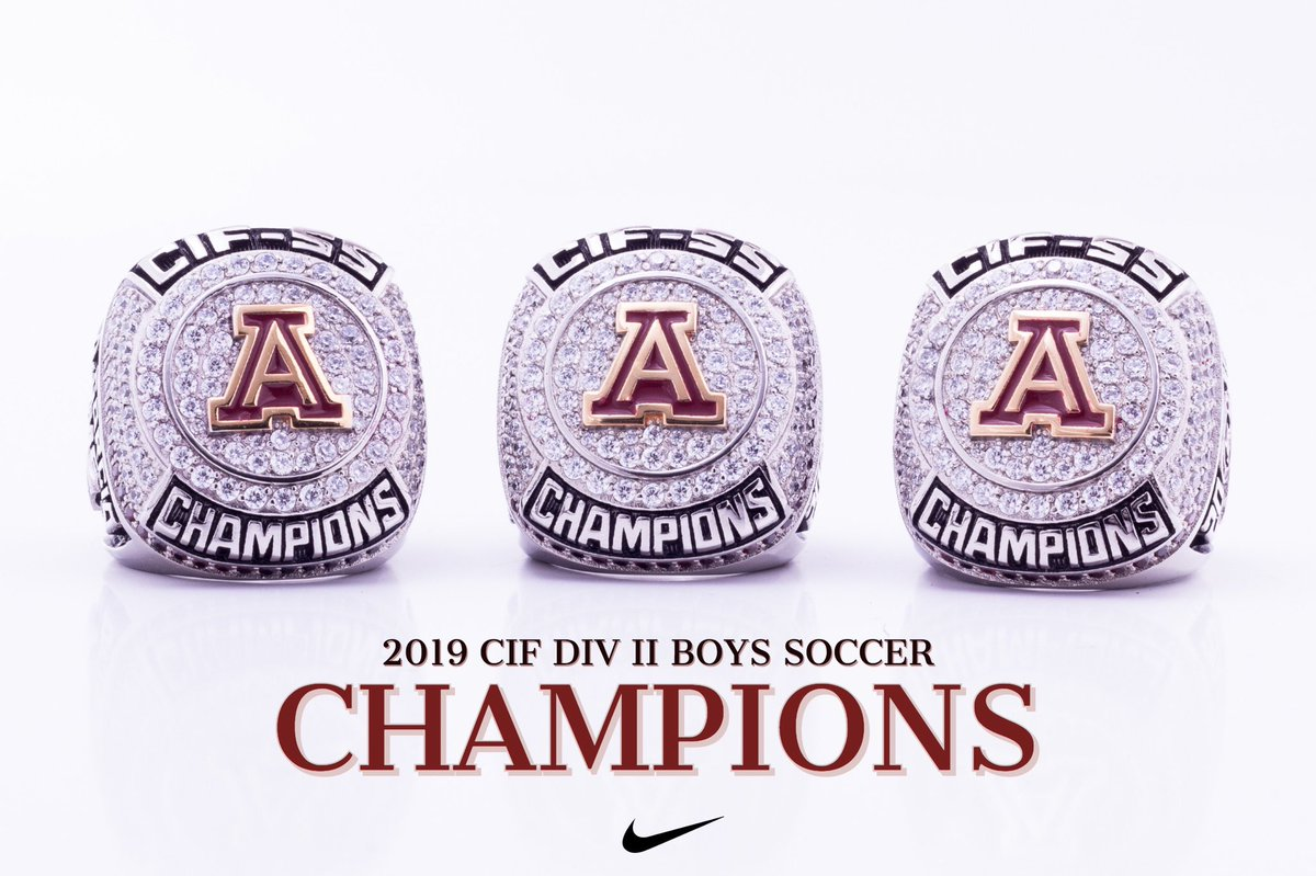 RT if you are wearing your ring this week to kickoff the new year 💍💍 @arlington_lions