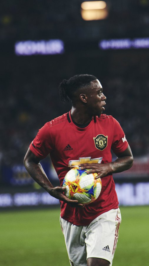 Wan bissaka is the only one that can tackle corruption in Nigeria ✌️ #MUNCHE