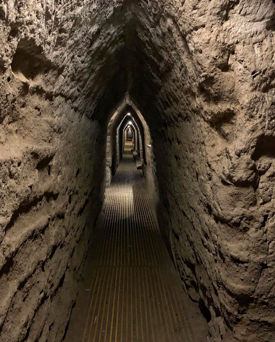 Túneles de la pirámide de Cholula.