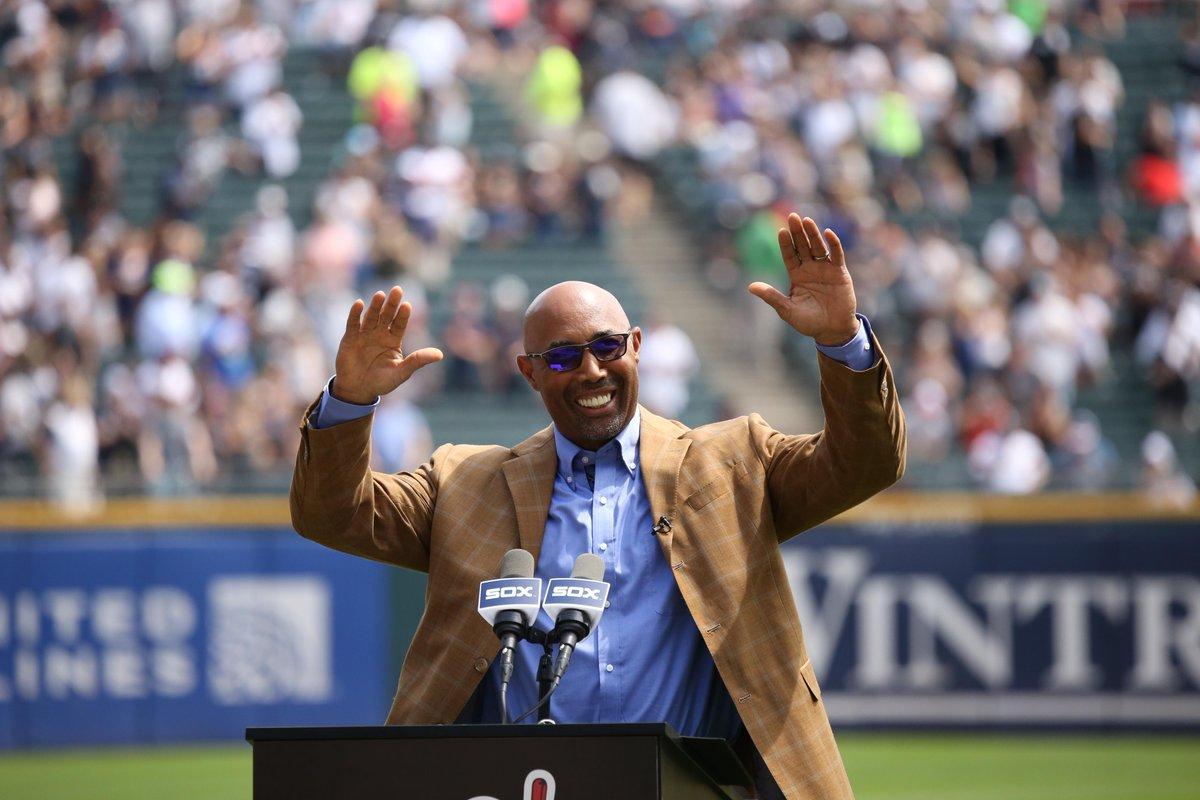 White Sox hold ceremony for new HOFer Baines