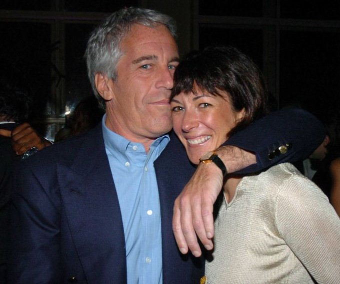 This thread is dedicated to information on #Epstein associate Ghislaine Maxwell.    #GhislaineMaxwell https://t.co/wBBvI0l1T5