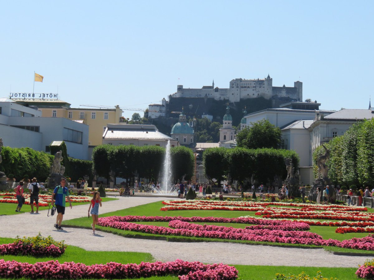 Gorgeous day in Salzburg! Need to come back here and stay!!