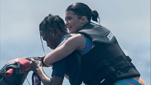 Star - People - Kylie Jenner and Travis Scott Ride a Jet Ski i--