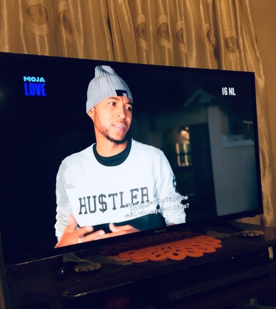 Jub jub help me hle I wanna be there for Mlu #Uyajola99 <br>http://pic.twitter.com/l6DazaBYZa