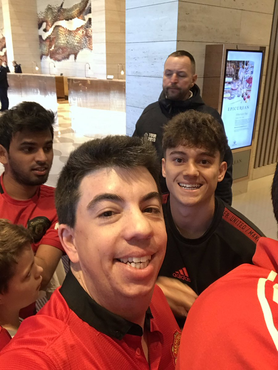 Great to see the smile hasn't been wiped of @Daniel_James_97's face since #UnitedInPerth 😉 #munche https://t.co/tTmvBQjFlp https://t.co/OMzkCWm3VA