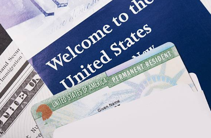 U.S. employers and foreign workers could soon face significant additional burdens and years-long delays in the employment-based green card process.  @Akerman_Law explains the implications of  H.R. 1044.   https://t.co/RqjGNsnZY8 https://t.co/6ZRNDRPoIL