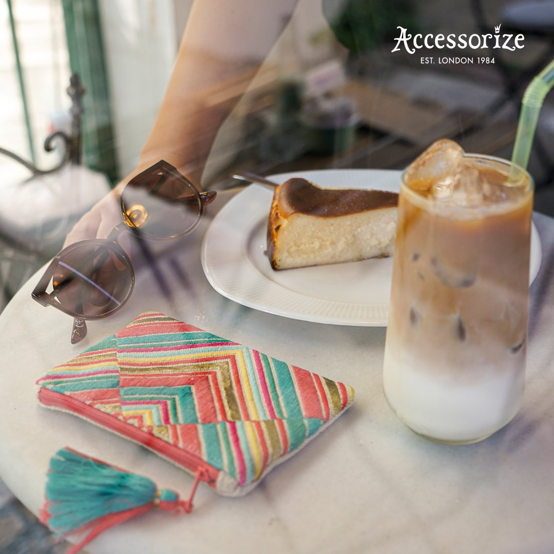 Bir kahve, bir tatlı, bir de rengarenk Accessorize çantan! https://t.co/Eo38yFNDUY
