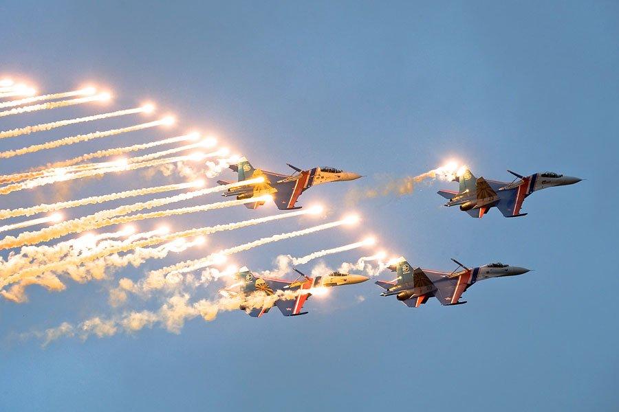Гифки, открытка день военных летчиков