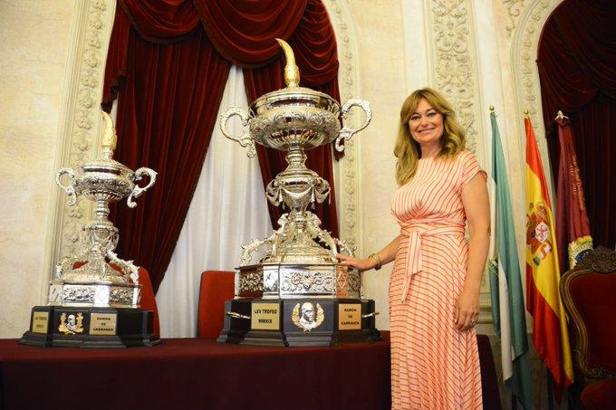 Mónica Marchante con la copa del Trofeo Carranza (Foto:CCF).