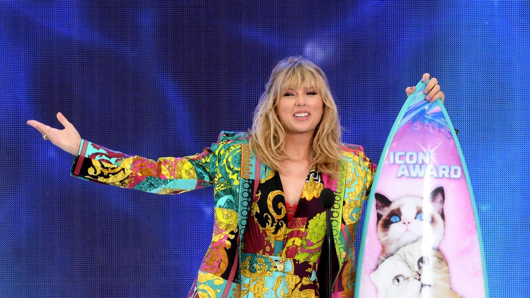 Grazia UK, Taylor Swift, Age   Baaz