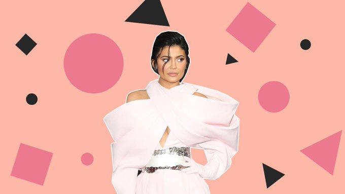 Stormi zingt Happy Birthday voor Kylie Jenner in deze video en ons hart kan dit niet aan