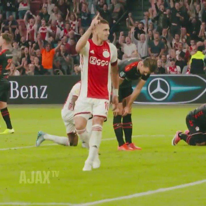 RT @AFCAjax: Playing ball at the @CruijffArenA. 💯⚽️  ☑️ #ajaemm 🔜 #ajapao https://t.co/pzjCFWIRfA