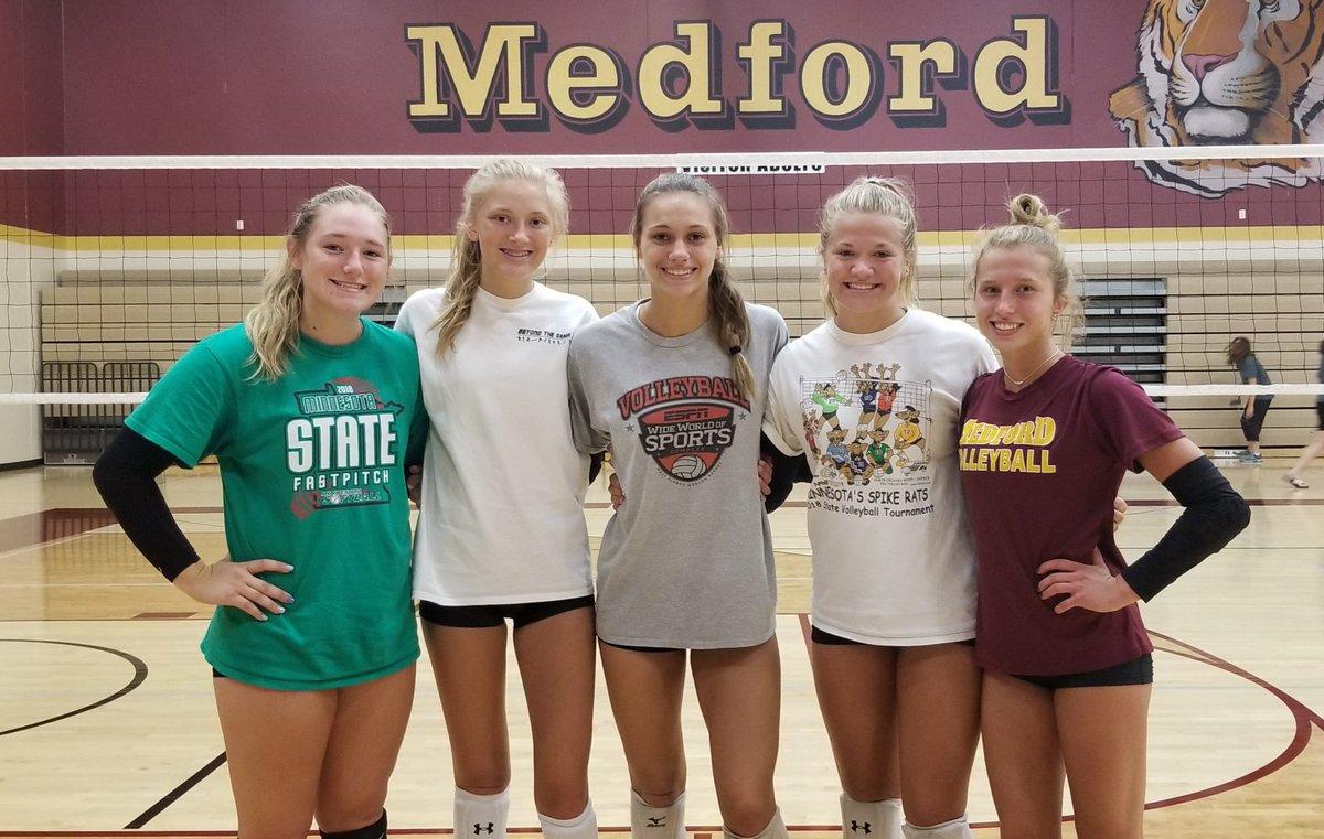 Medford volleyball seniors Izzy Reuvers, Emma Kniefel, Alyvia Johnson, Morgan Langeslag and Kiley Nihart. #mshsl