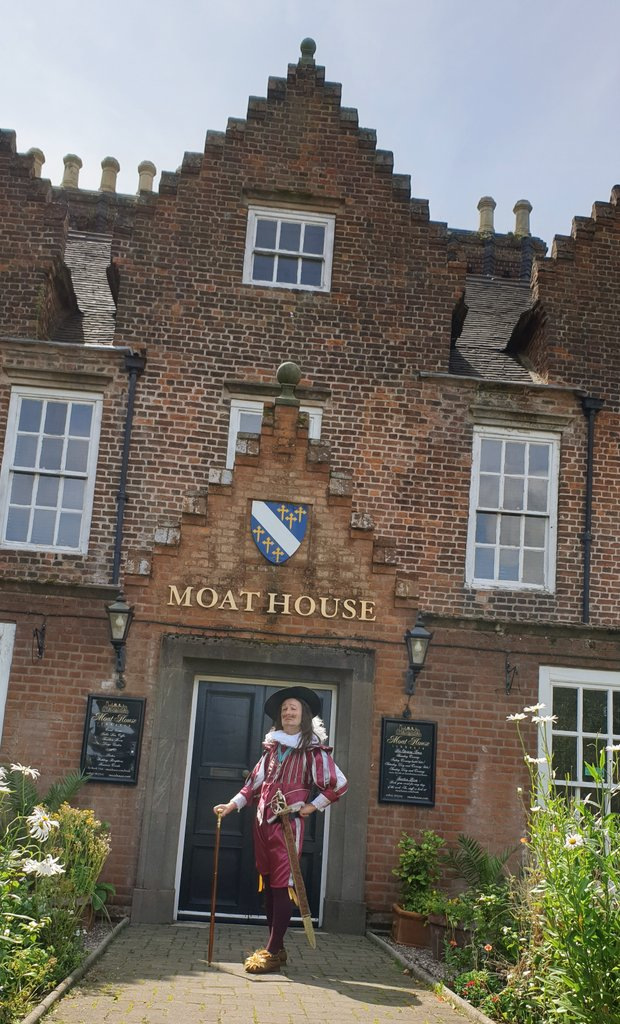 400 years is never too late for revisit  The countdown to celebration festivities Friday at @MoatHouse1572 begins!  #King #CharlesI #PrinceCharles #Tamworth #History #Historical #17thCentury #Heritage #FoodandDrink<br>http://pic.twitter.com/xIwM14ch9Z