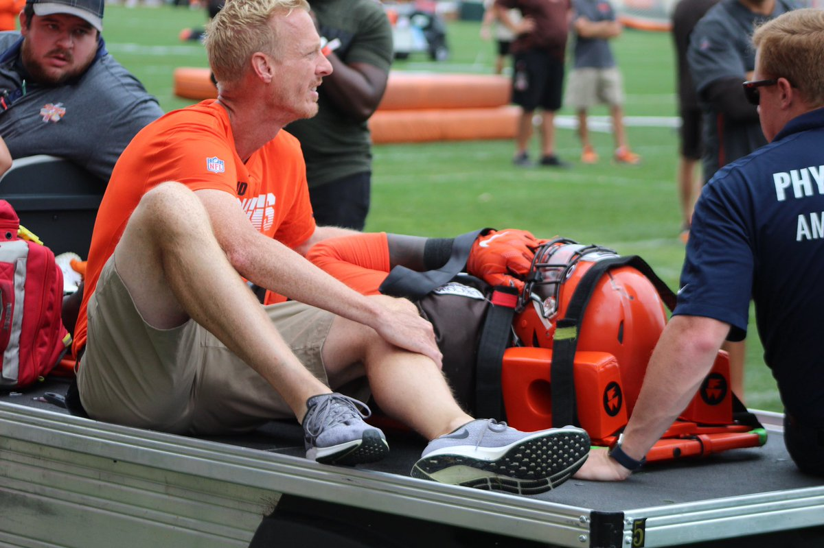 Cleveland Browns DE Chad Thomas Carted Off Practice Field With Neck Injury