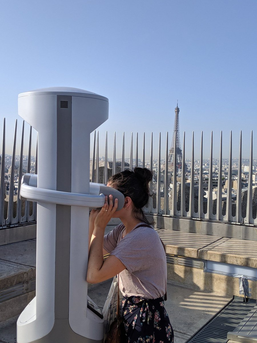🕹 Immerse yourself in the history of the Arc de Triomphe with the virtual reality kiosks designed by @timescope! @leCMN paris-arc-de-triomphe.fr/en/News/A-virt…