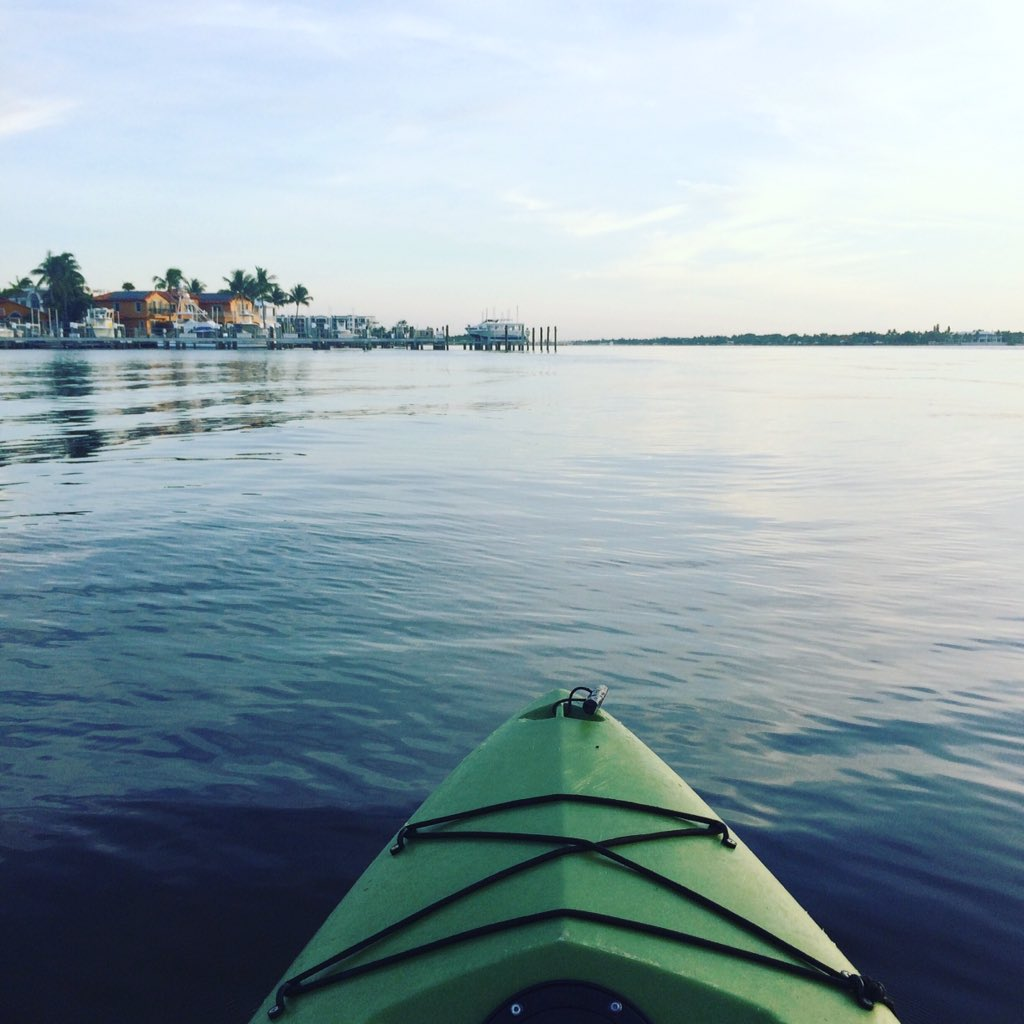 It's a beautiful morning for a kayak ride :)  #kayak #Florida https://t.co/CCApcb50Ij