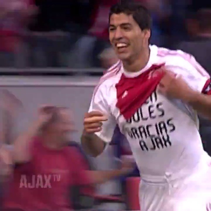 RT @AFCAjax: I want to ride my bicycle... 🎶 🚲👟 @LuisSuarez9   #UCL #ajapao https://t.co/Plj4cN902H