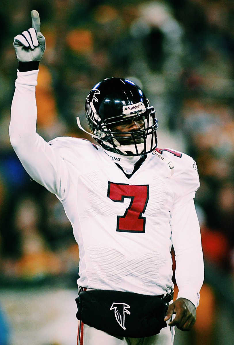 16 years ago today, Madden 2004' dropped and Mike Vick was immortalized as a video game legend. ➖ Overall: 95 ➖ Elusiveness: 92 ➖ Speed: 95 ➖ Accuracy: 97 ➖ Throwing power: 98 ➖ Hit Stick created to stop him ➖ Said character was better than Tecmo Bo (via @EAMaddenNFL)