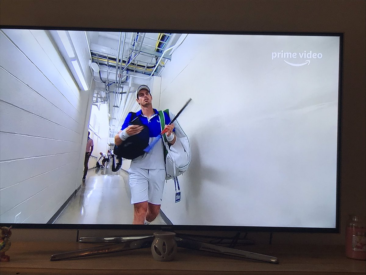 Looks who's on my TV!!!  #andymurray <br>http://pic.twitter.com/69xhr3dfbn