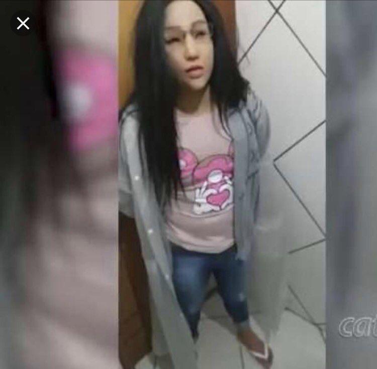 Igualzinho aquele bandido que tentou fugir da cadeia vestido de mulher 😂😂😂😂😂Só mudou o cabelo pra loiro