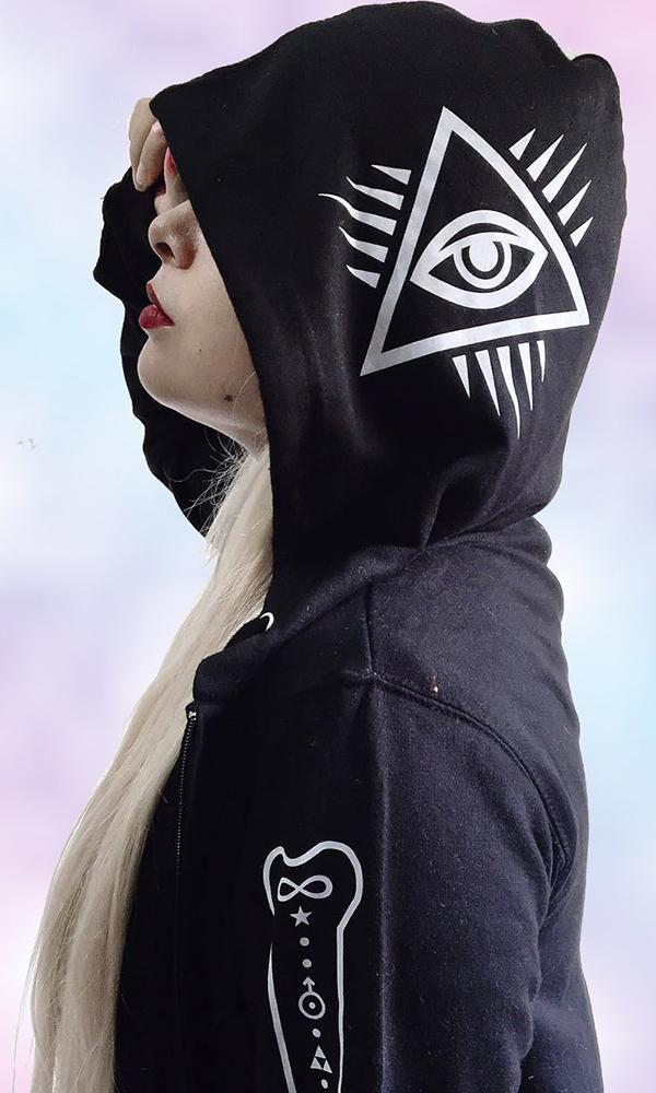 🖤👁👻Guard and protect yourself in this hoodie with occult