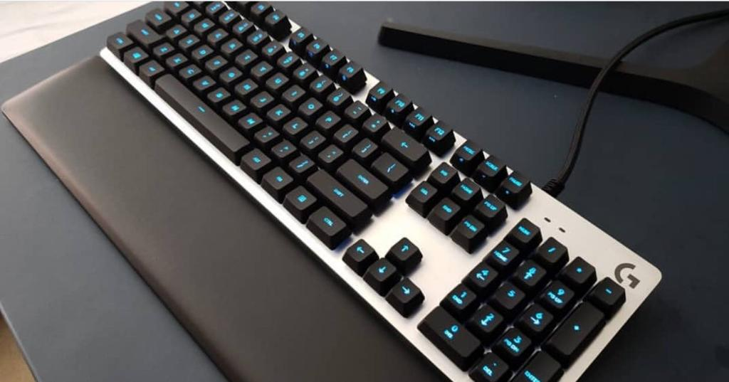 A material advantage. #PlayAdvanced with the G513. ⌨️ logt.ly/6014EFt00 📷 IG: alexspovs