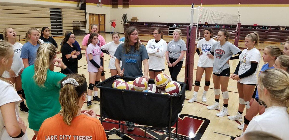 Medford Volleyball: New Season, New Expectations. Check out John's Journal. #mshsl legacy.mshsl.org/mshsl/johnsjou…