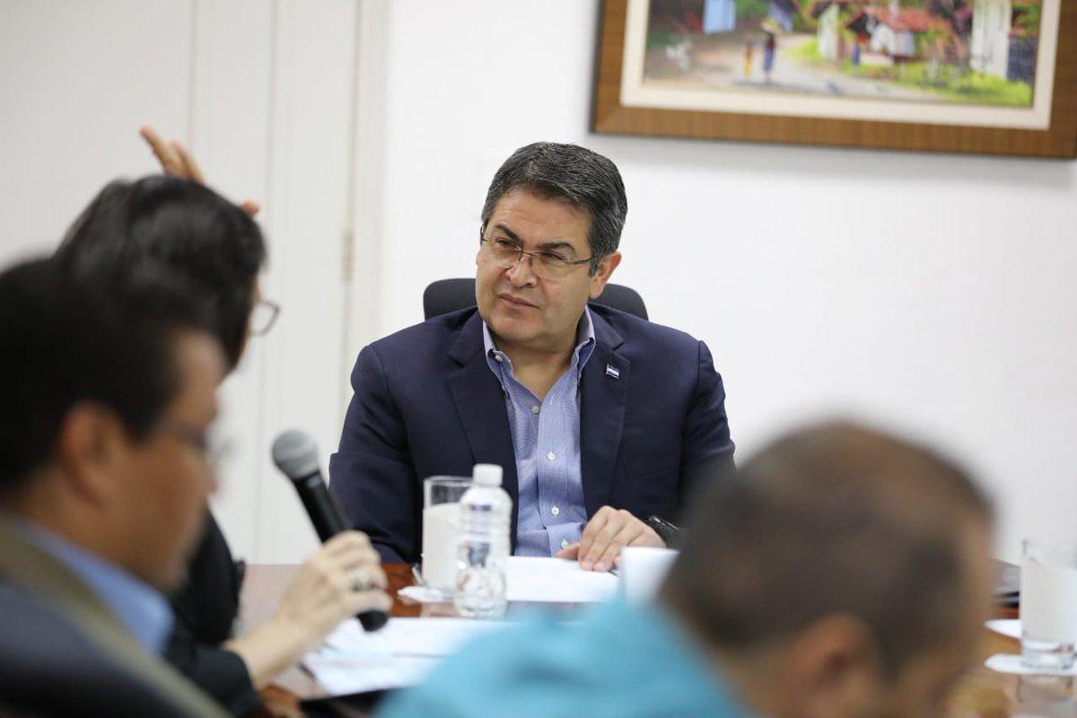 Gobierno de #Honduras pone a disposición 1,200 millones de lempiras para viviendas de clase media. Aquí el vídeo: ►