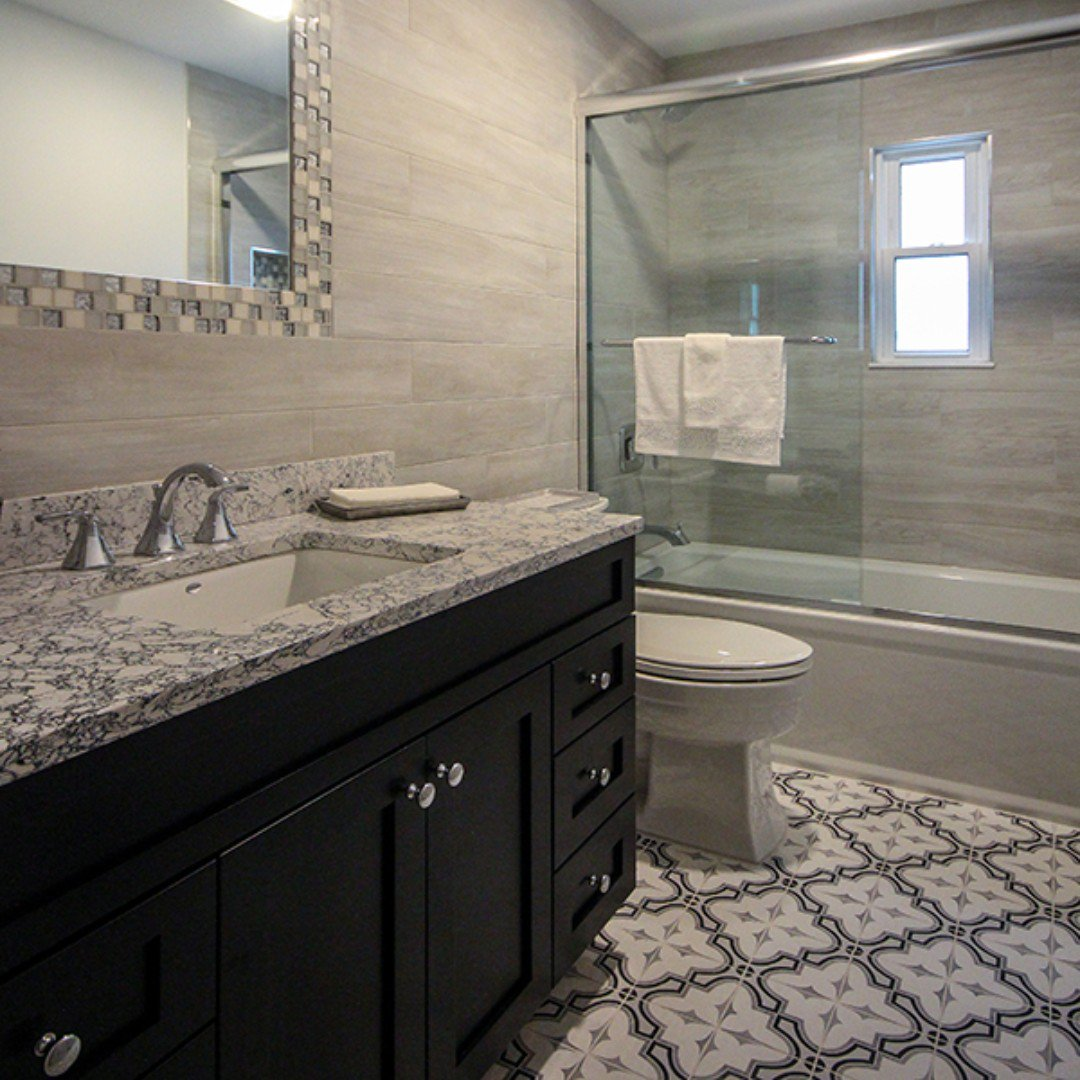 Alure Home Improvements A Twitter This Beautiful 5 Day Bathroom Designed By Rich Reese Features Southampton Farrow Frame Color Tie Tile On The Floor Amazon Gray Merola Tile On The Walls With