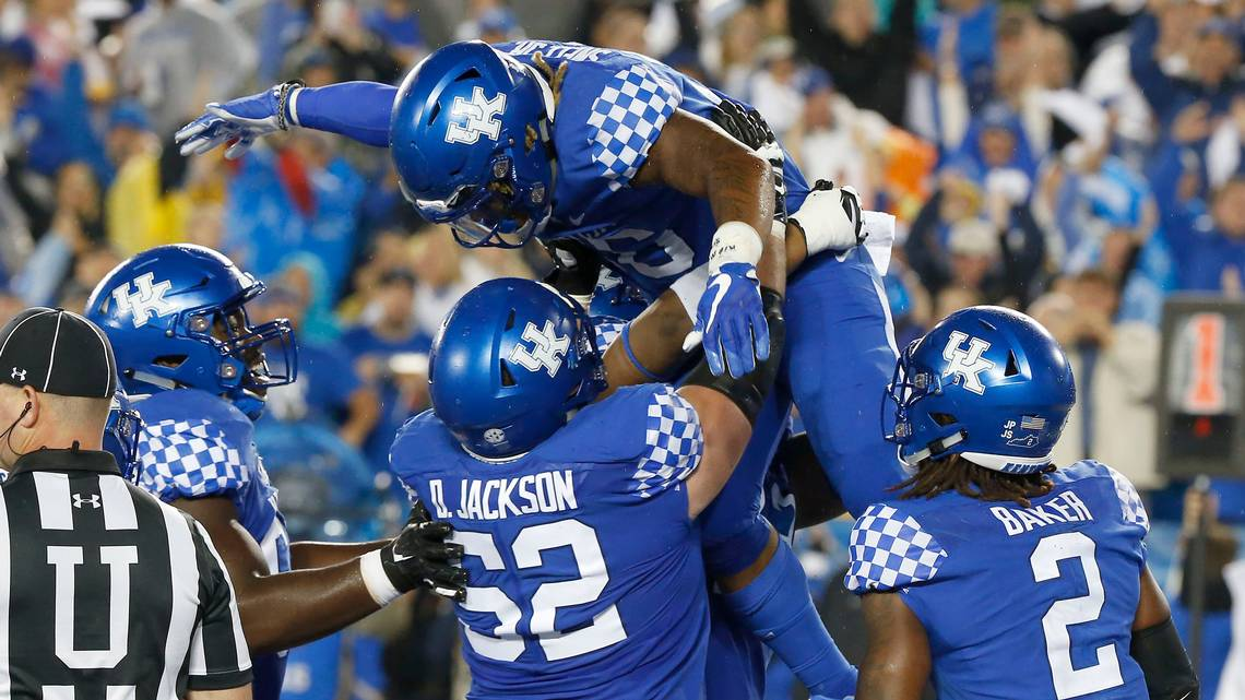 Where to watch, how to follow Kentucky's football opener vs. Toledo https://t.co/DtzIhdytoY https://t.co/82HoXW1Cxc