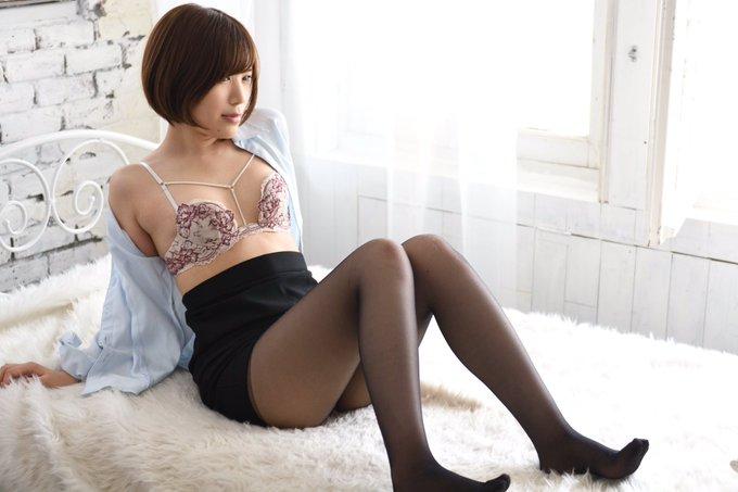 グラビアアイドル皆月なるのTwitter自撮りエロ画像38