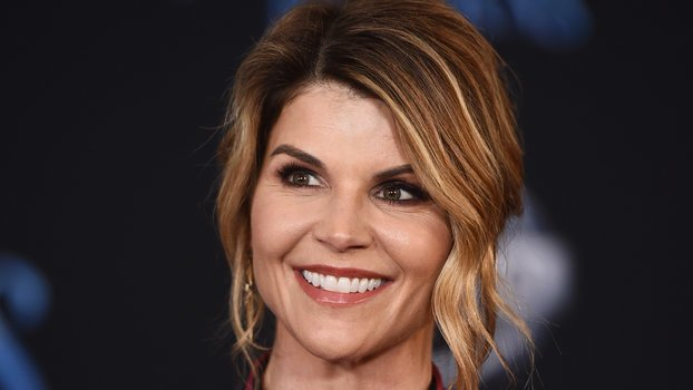 Lori Loughlin Is Losing Her Support System (via #InStyle) #celebrity #entertainment #lifestyle https://t.co/4tnj8lMfYO