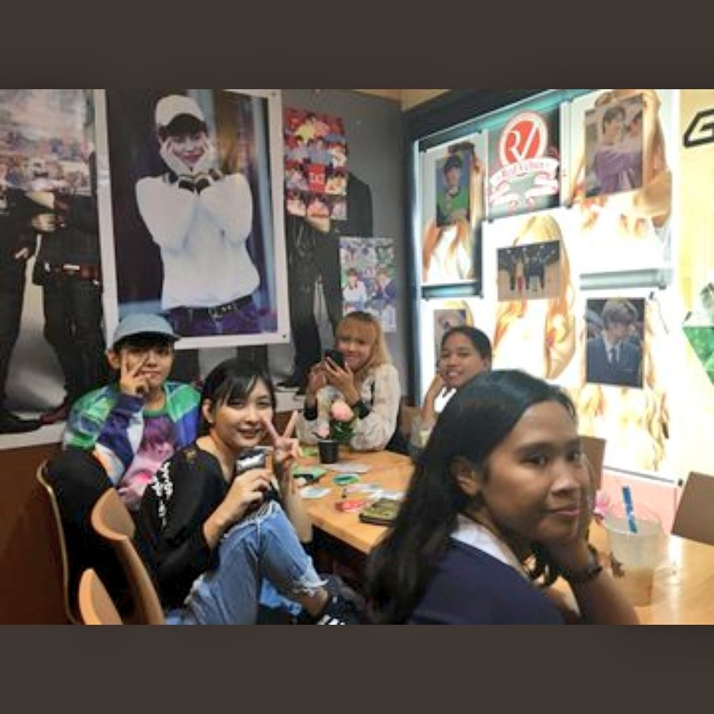 #TXTIsOurPolaris Enjoyed today!  i didnt interact with anyone that much but watching you guys have Fun and seeing people who loves txt  come all together makes my heart warm!   <br>http://pic.twitter.com/kAbO1DBjXp