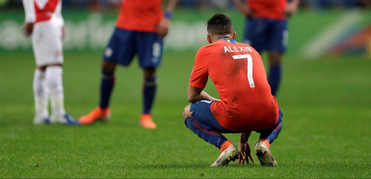 Van Persie over mislukte Alexis: 'Hij moet wat vrolijker zijn op het veld' | Sportnieuws. Van Persie spreekt. Had hem graag in Nederland als commentator gehoord.  #TSNL #voetbal #sport https://t.co/py5WjI3hQe https://t.co/rNvVoguEMD