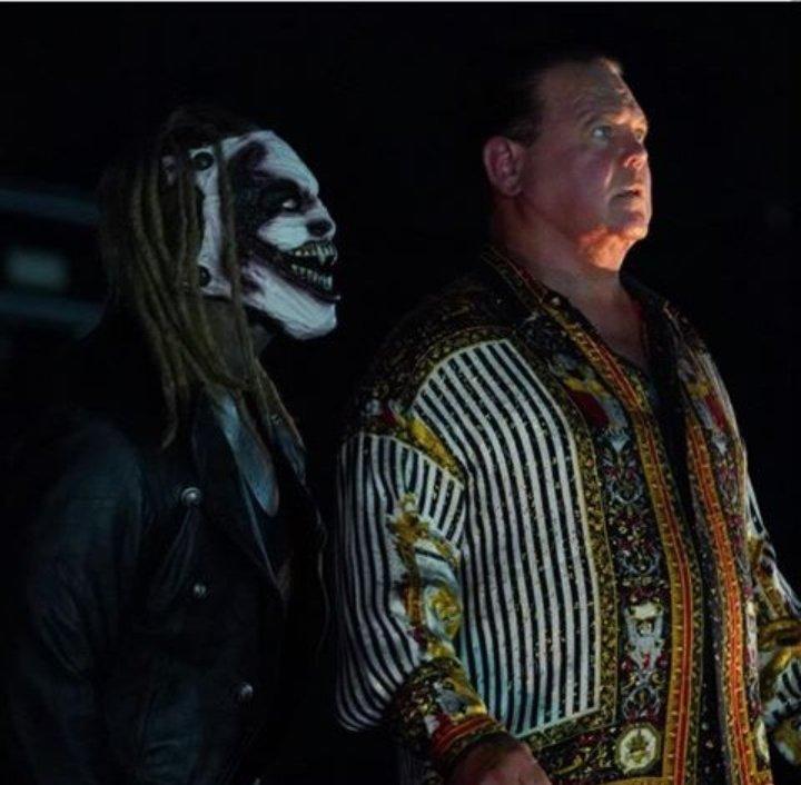 Be aware of #TheFiend 🔥..#RAW #SDLive #WWE @WWEBrayWyatt