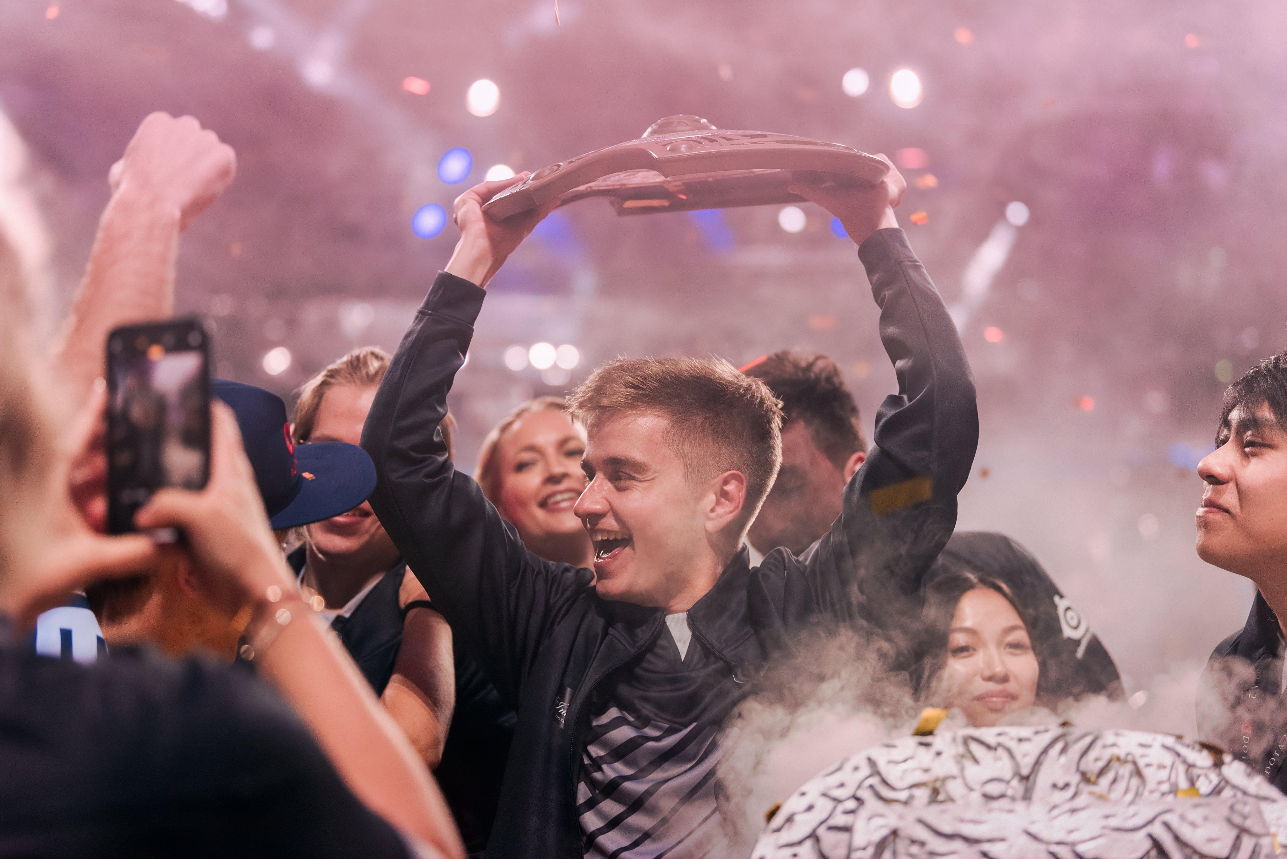 Dota 2. Команда OG победила в Гранд-финале The International 2019 - изображение 3