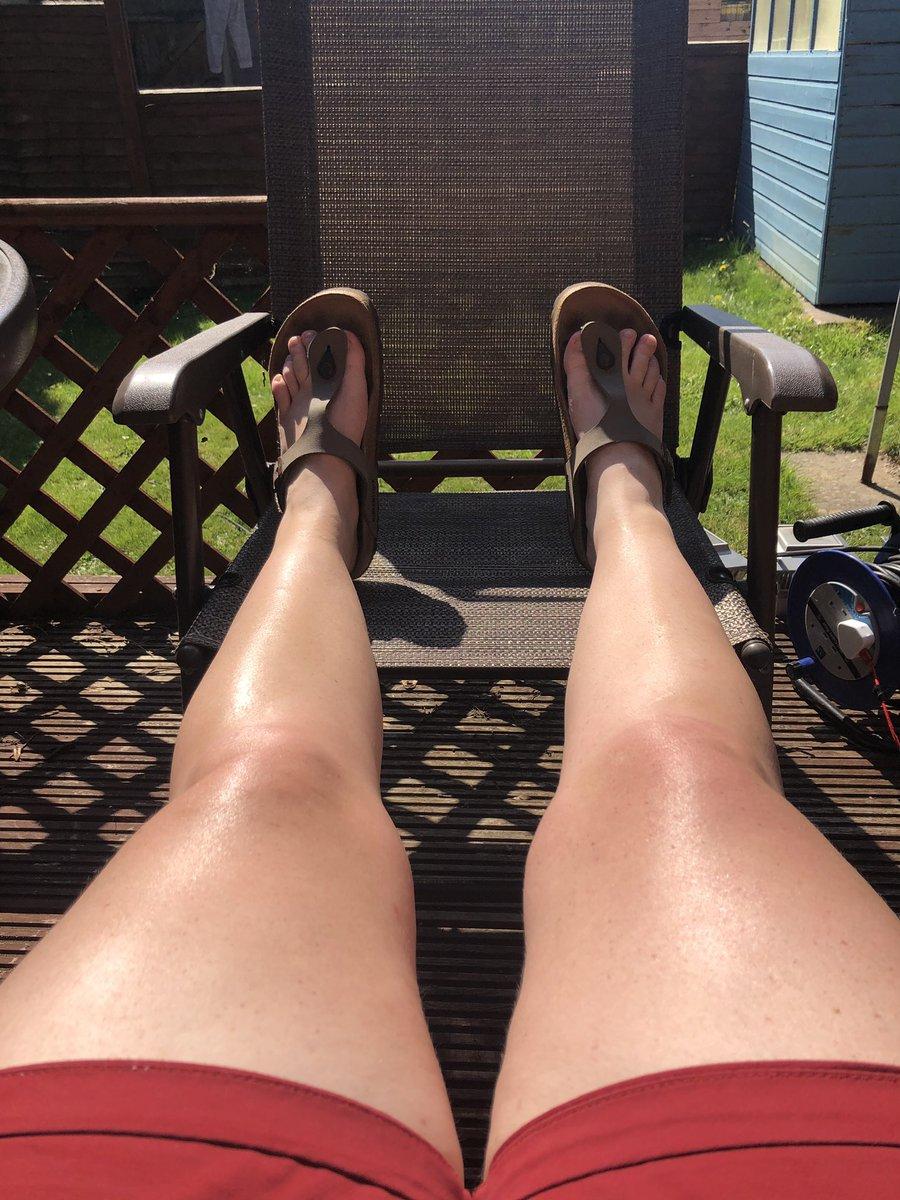Andddddddd relax! @AppleMusic playlist on, reading @AuthorDanBrown #Origin and leg tanning! https://t.co/49QV9j5Tl9