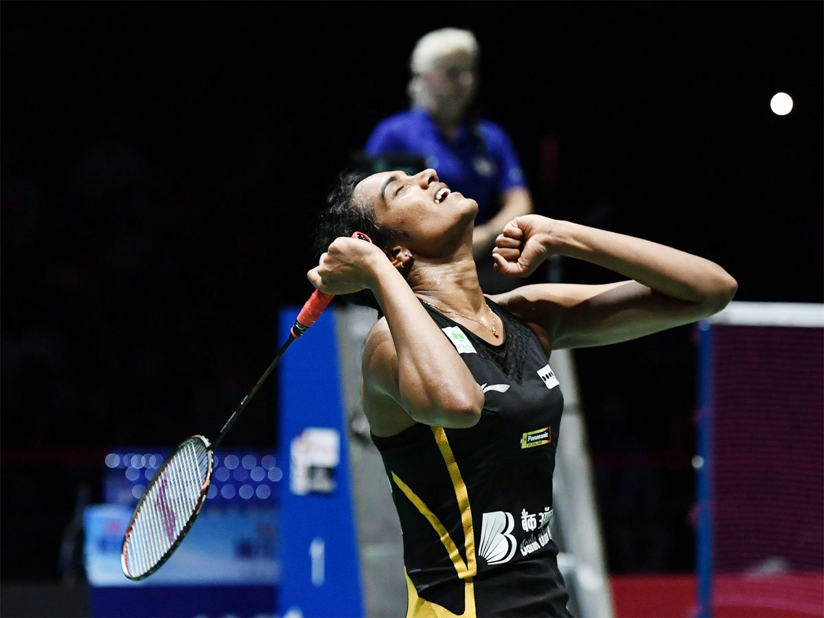 .@Pvsindhu1 creates history yet again! Congratulations for winning the first ever gold at the #BWFWorldChampionships!! Every Indian is proud of you!!!  #BWFWorldChampionships2019 #PVSindhu  #BWFWC2019 <br>http://pic.twitter.com/BRuNNJtfA0
