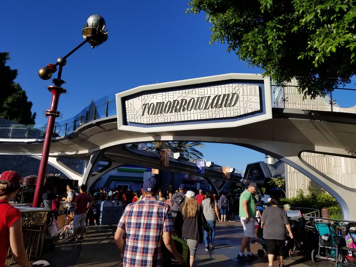 New Tomorrowland, Toontown Refurbishment, New Parade and More Coming to Disneyland Resort  https://t.co/Wrk4AWfMKH https://t.co/rp9Wq7RdCX