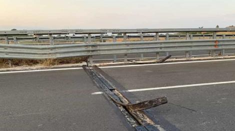 Salta un giunto in un viadotto della statale Agrigento Caltanissetta: danni a decine di auto - https://t.co/gzeML7bVUg #blogsicilianotizie