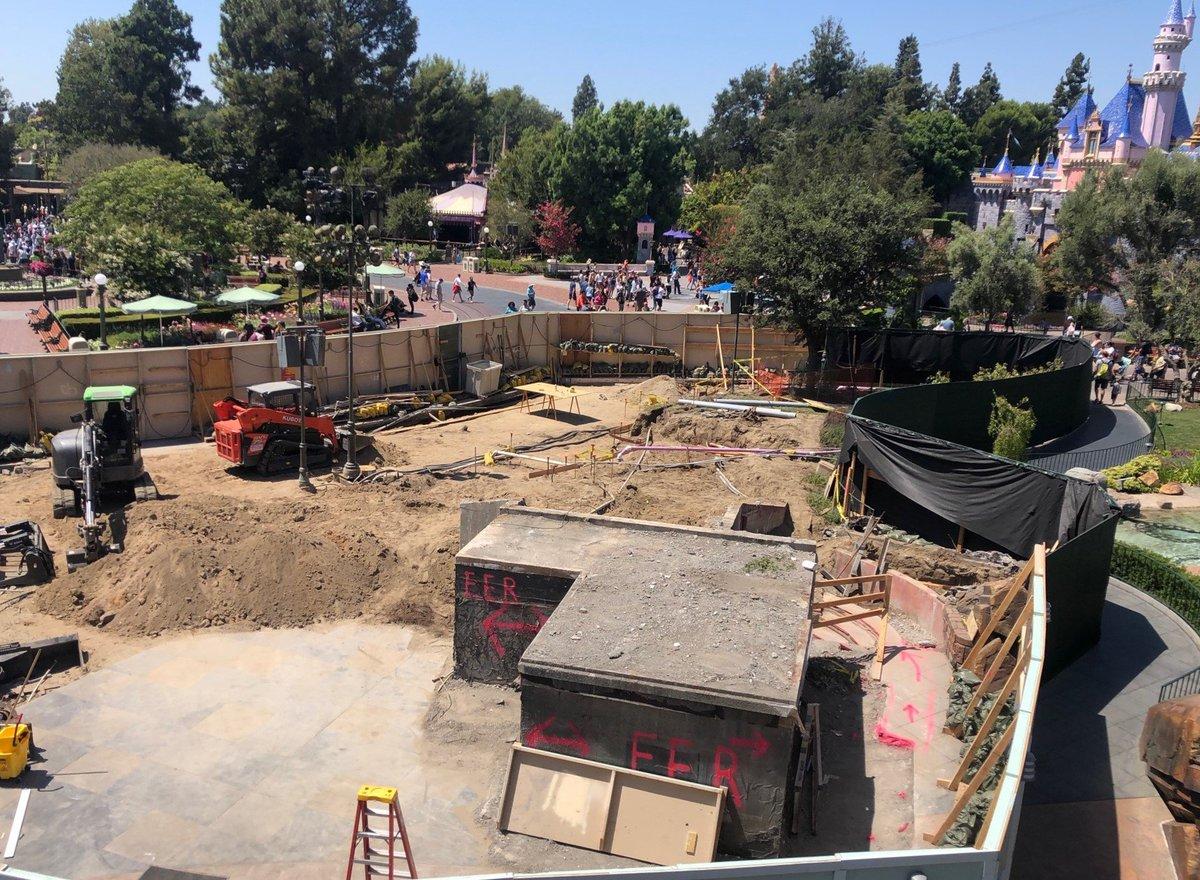 RT @Blog_Mickey: Tomorrowland Entrance Rock Demolition Update at Disneyland  More Info: https://t.co/15wAOwJP8g https://t.co/DEKW5ilWEl