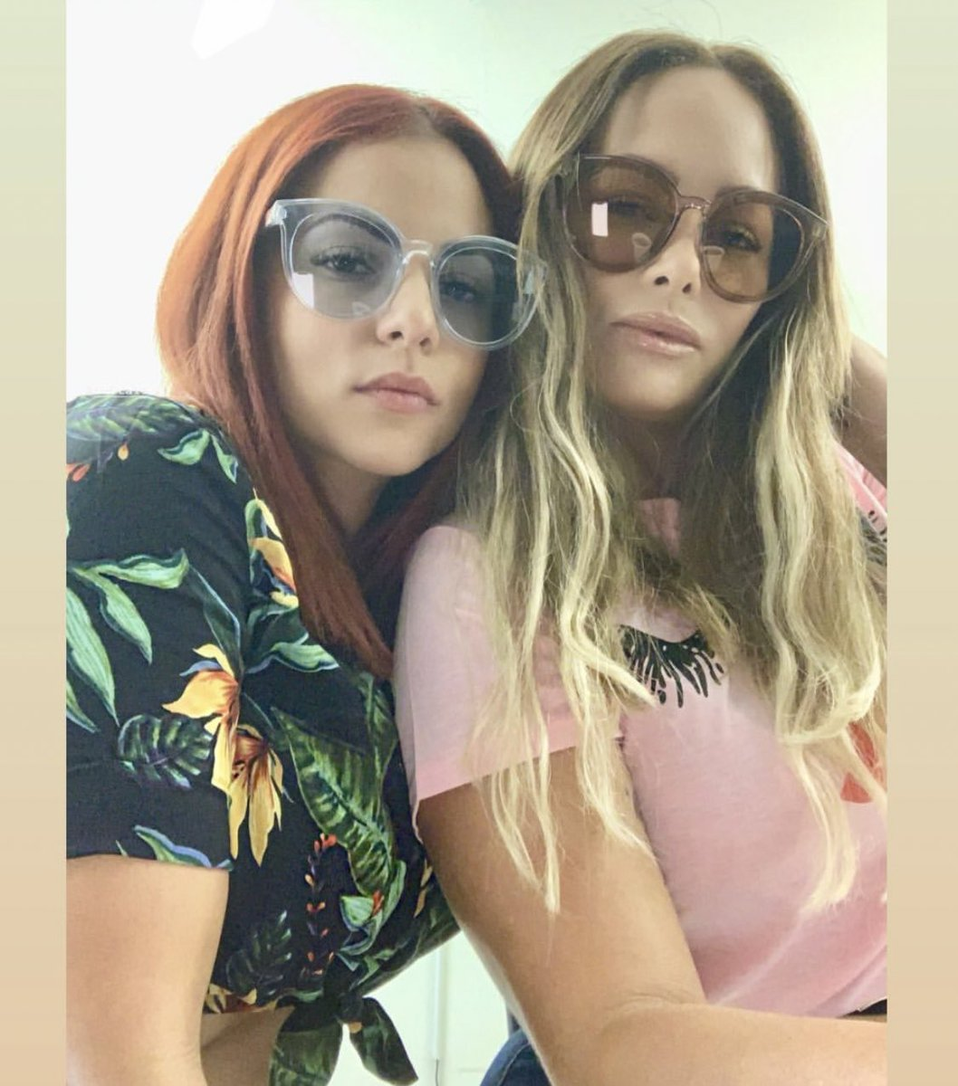 🗺....SUNDAY FUNDAY.... 🗺 Nuestras hermosas #ChicasChic @drita19 @guzmelycotto con sus #ChicSunglasses . . .  #happysunday#womanwithstyle#chicbykw#fashionstyle#chićwoman#unique#sunglasses#styling#glam#instafriends#islandgirl#foreverchic#puertorico#jevasapoyandojevas https://t.co/xTQrfhIQbu