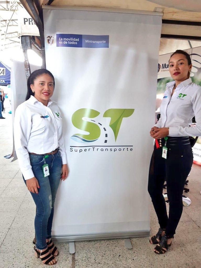 #AEstaHora la @Supertransporte se encuentra en Polimega del Parque de la Vida Cofrem, #Villavicencio cumplíendole al país, atendiendo a los usuarios del Sector Transporte. Somos una entidad que no para y día a día trabaja para fortalecer su presencia regional. #LogrosQueConectan