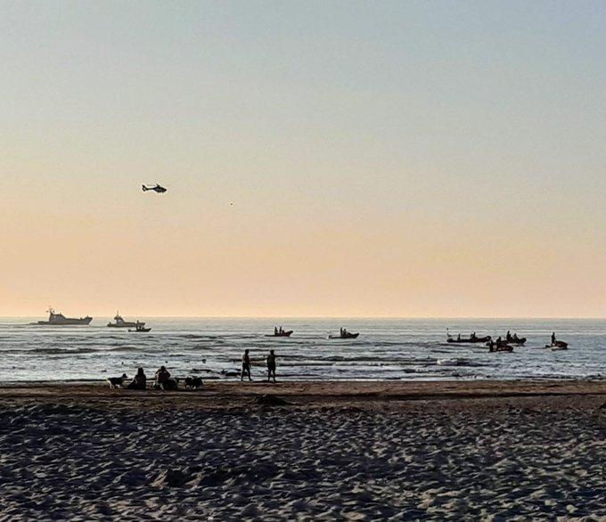 Grote zoekactie voor de kust van Monster naar vermist persoon in zee. Foto Corne https://t.co/mdZ1X1fO8B