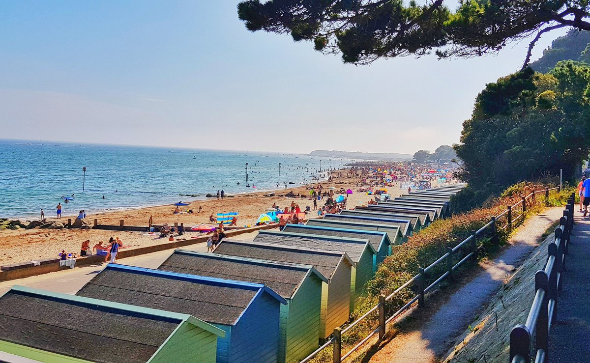 Another cracking day here at @MudefordQuay Same again tomorrow for Bank Holiday Monday? Oh, go in then! #MudefordQuay #mudefordspit #avonbeach #bankholidayweekend<br>http://pic.twitter.com/QMt24BhKMX