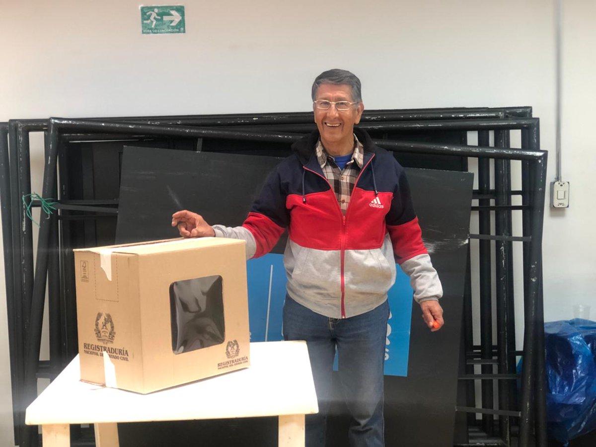#AEstaHora se llevan a cabo elecciones de vacancias de los representantes ante los Consejos Locales de Discapacidad, como ejercicio democrático que fortalece la incidencia y participación de la sociedad civil. #BogotáIncluyente