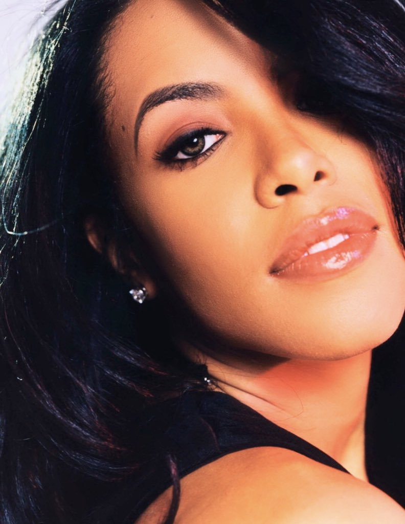 Aaliyah it's been 18 years now but your STYLE & MUSIC still continues to IMPACT all the generations behind you! 🙌🏾 May you rest In paradise in PEACE🙏🏾😇❤️