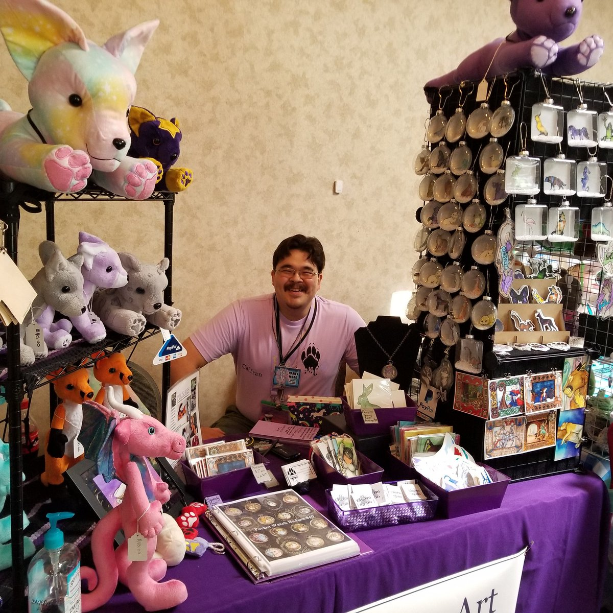Day 3 of SpokAnthro! Dealers Den is open till 4pm come by for your last minute buys.  #spokanthro2019 #spokanthro #inkpawz #inkpawzart #dealersden #spokanthrodealerden #dealer #artist<br>http://pic.twitter.com/wkJkWE5TFO