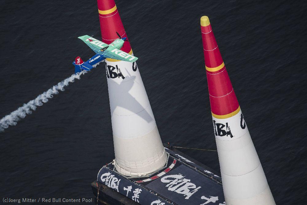【出演情報:New!! 】 9/1(日)AM8:00~8:55 bayfm「ベイ・モーニング・グローリー」 facebook.com/baymorningglory 是非お聴きください! #airrace #YoshiMuroya #FALKEN #Breitling #LEXUS #RedBull